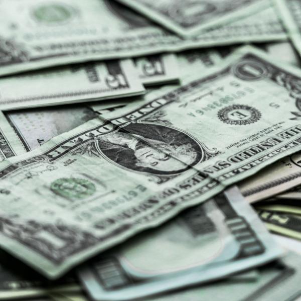 money-2557250_19202